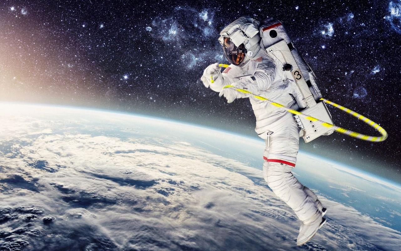 Çin'de heyecan dorukta! Uzaya gönderilecek ilk ekip yola çıktı