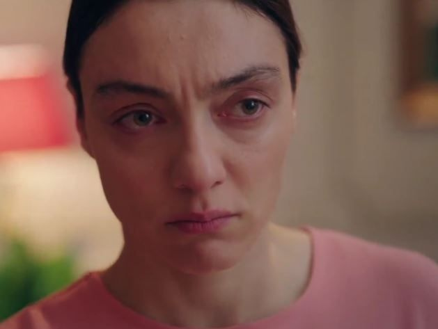 Kırmızı Oda son bölüm sezon finalinde Masumlar Apartmanı Gülben sürprizi