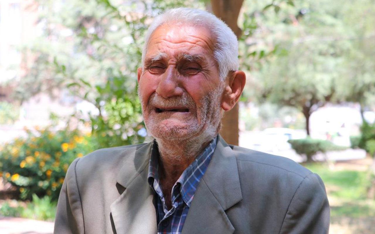 Adana'da 6 evladı kapının önüne koydu parkta yaşıyor 81 yaşındaki adam ağlayarak anlattı aç susuz yaşıyorum