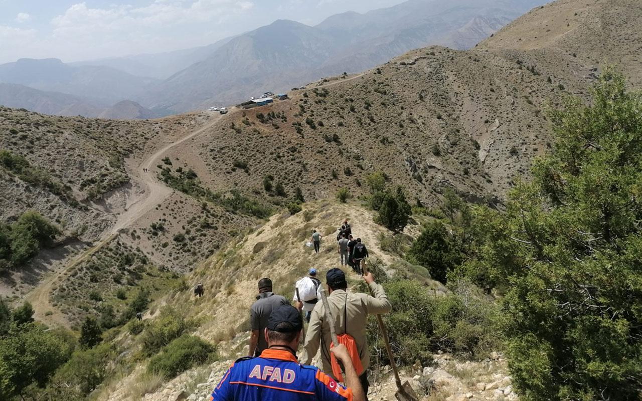 Erzurum'da AFAD ekipleri dağlık arazide ceset parçalarını topladı