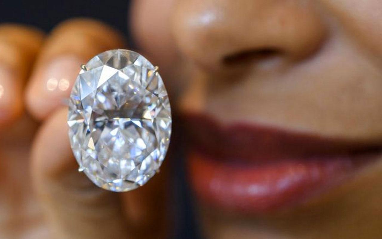 Güney Afrika'da halk 'maden avına' akın etti elmas zannedilen taşların kuvars olduğu ortaya çıktı