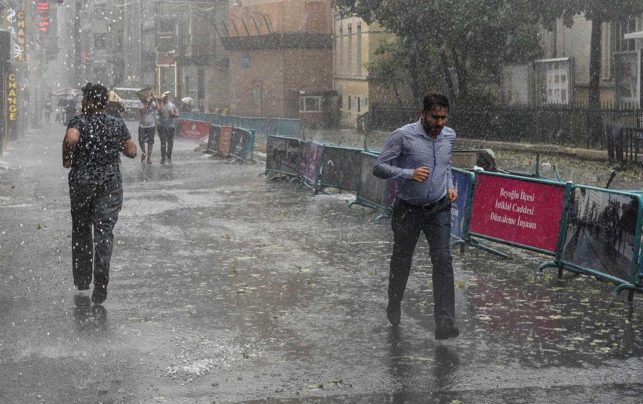 22 Haziran hava durumu! Meteoroloji'den İstanbul ve İzmir dahil 19 şehre sağanak uyarısı