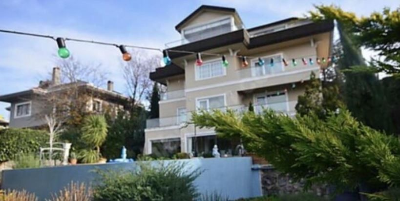 Mesut Özil kayınvalidesi Gülter Gülşe'ye Acarkent'te milyonluk ev aldı!