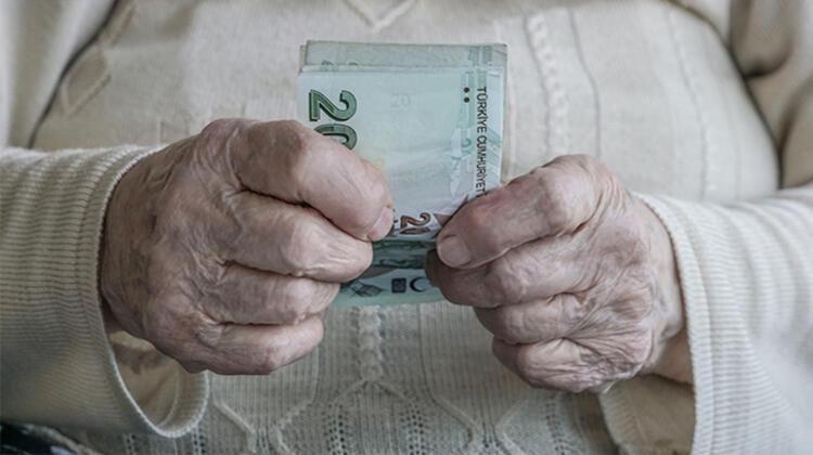 Milyonları ilgilendiren karar çıktı! Bunu yapan emeklilerin maaşı kesilecek