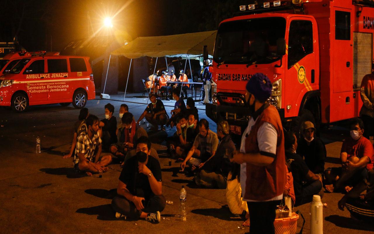 Endonezya'nın Bali Adası açıklarında feribot battı! 6 kişi öldü, kayıplar var