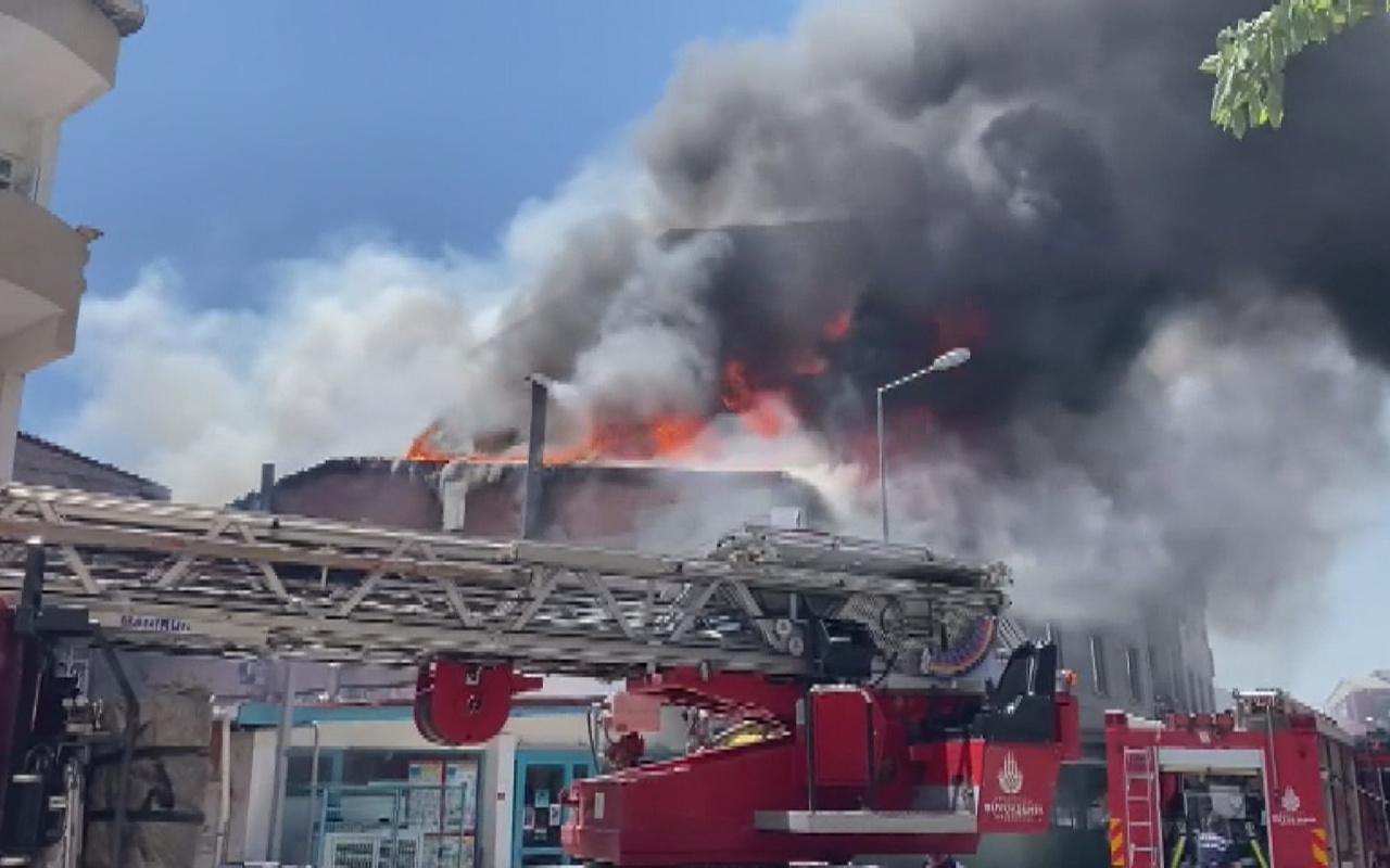Esenyurt'ta kebapçı yangını apartmanlara da sıçradı