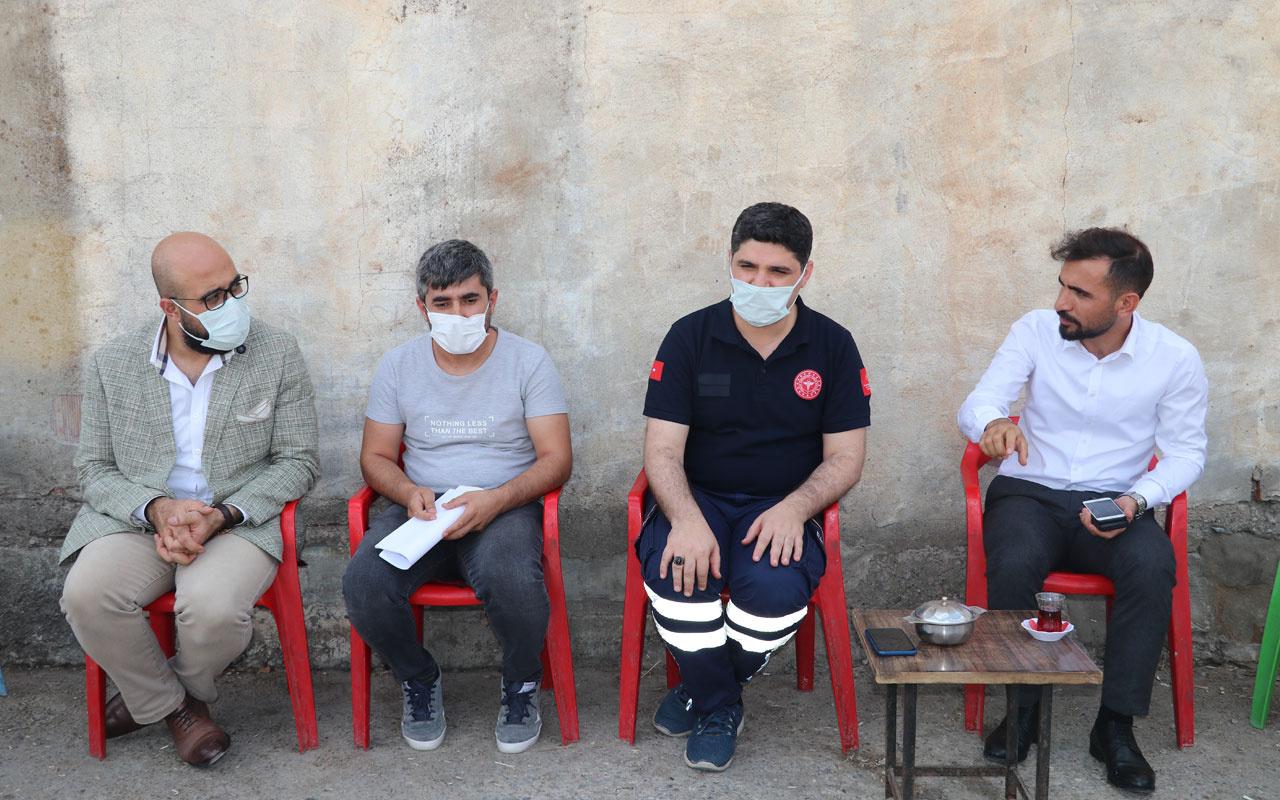 Batman'da aşı ikna ekipleri köyleri gezerek aşılama çalışması yürütüyor