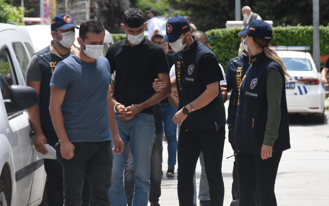 Eskişehir'de 'papağan' ile vatandaşın kabusu oldular: 50 bin lira...