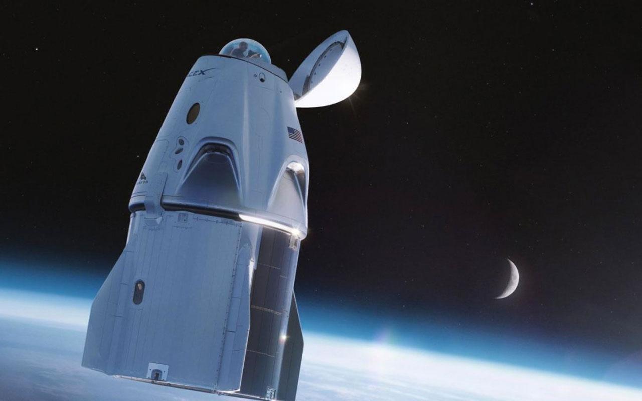 SpaceX'in uzay mekiğine 360 derece manzaralı tuvalet