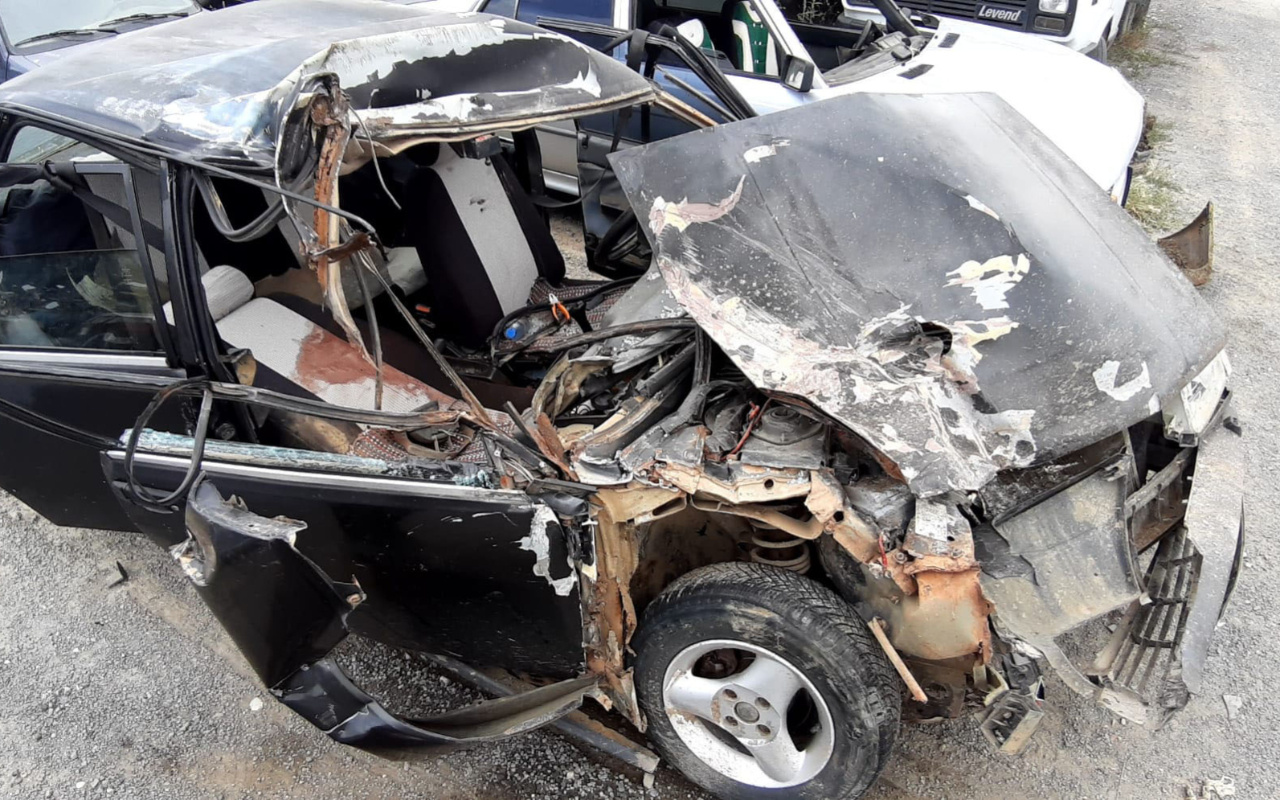 Edirne'de feci kazada araç hurdaya döndü! Yürek yakan haber geldi