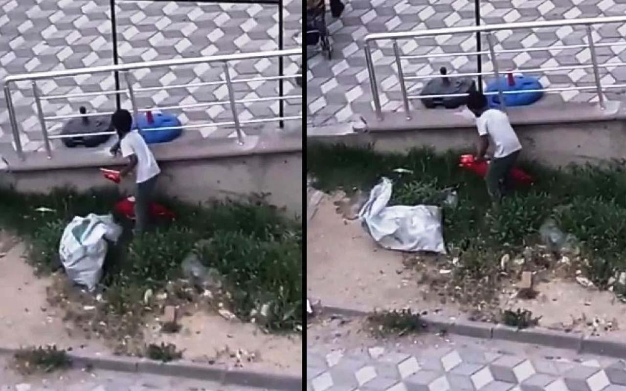 Niğde'de çöpte Türk bayrağı bulan Suriyeli çocukların saygısı takdir topladı