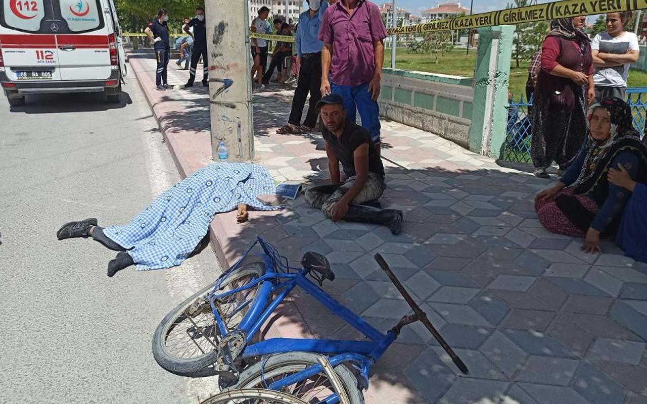 Aksaray'da kazada ölen kardeşinin başında feryat etti
