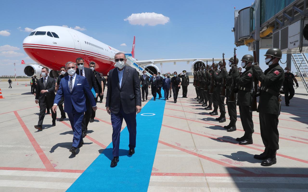 Cumhurbaşkanı Erdoğan 2,5 sonra Diyarbakır'a geldi