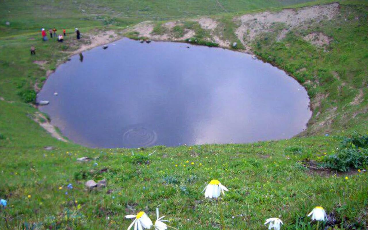 Gümüşhane Dipsiz Göl'ün eski halinden eser kalmadı! Gören hüsrana uğradı: Artık öldü