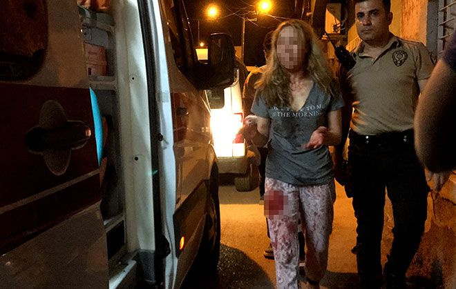 Adana iki kadın arasında bıçaklı kavga çıktı! Faslı kadın bıçaklandı