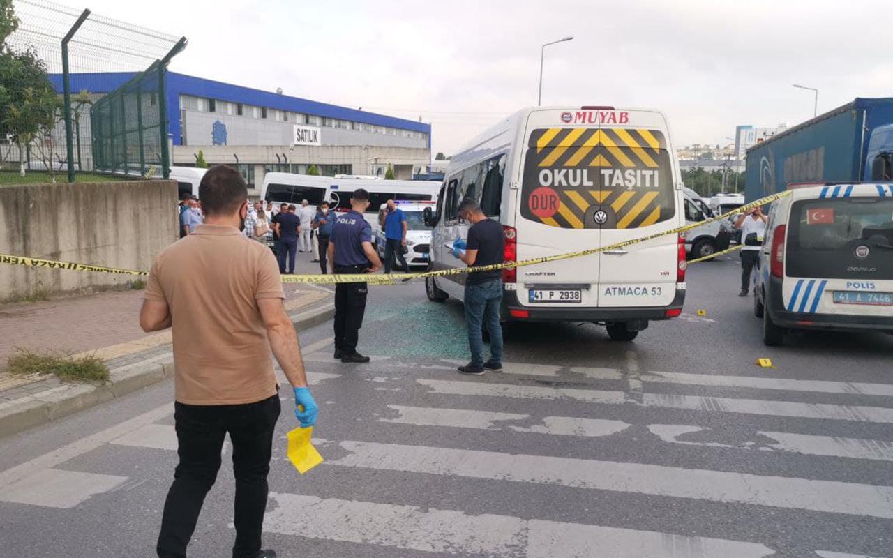 Kocaeli'de işçileri taşıyan servis minibüsüne silahlı saldırı 4 yaralı