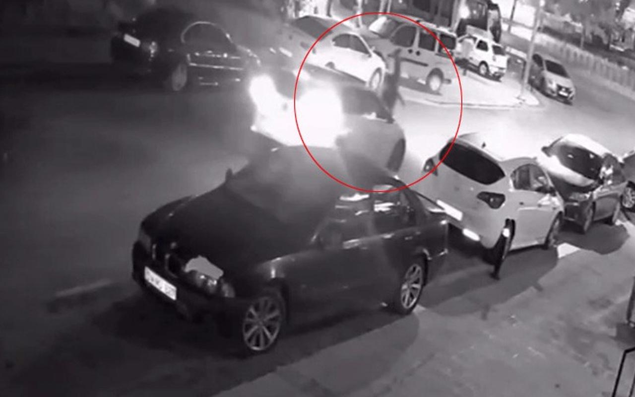 İstanbul'da feci kaza kamerada! Yola savruldu görenler olay yerine koştu