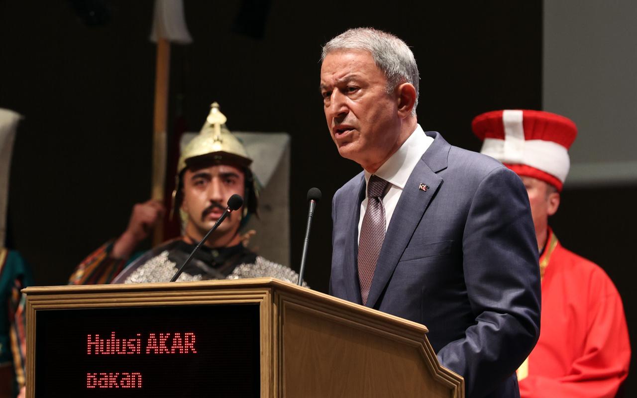 Milli Savunma Bakanı Hulusi Akar'dan terörle mücadele mesajı