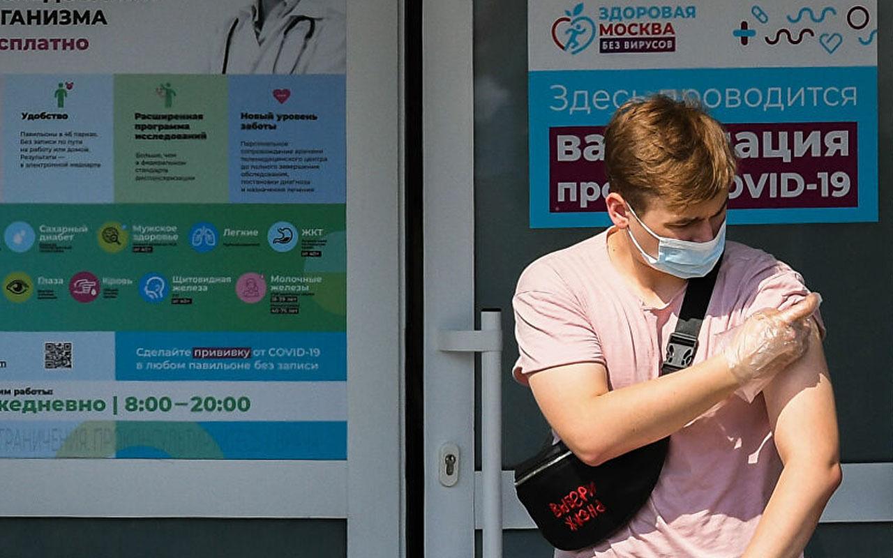 QR kod dövme oldu! Moskova'da kafelere giriş yaparken dövme gösterilecek