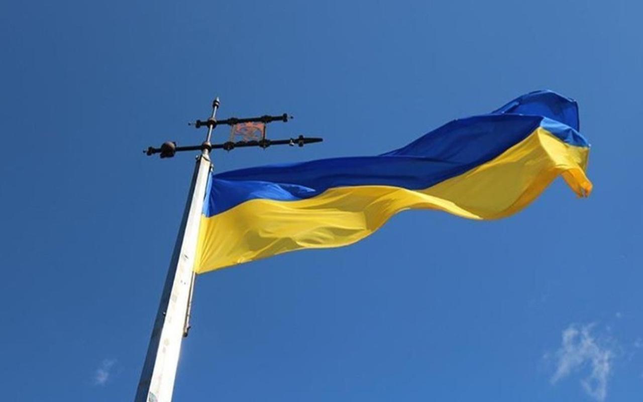 Ukrayna'da helikopter düştü 2 kişi öldü