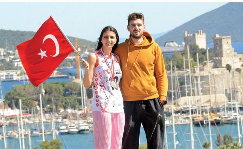 Düğünde keşfedildi, Milli Takım yıldızı oldu! Büşra Şahin'in THY'ye uzanan başarı hikayesi...