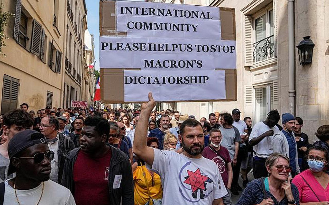 Fransa'da aşı karşıtlarını çıldırtan karar! Diktatör Macron sözleriyle protesto ettiler