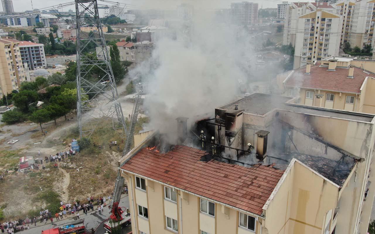 Başakşehir'de 13 katlı binada yangın! Mahsur kalan kişiler kurtarıldı
