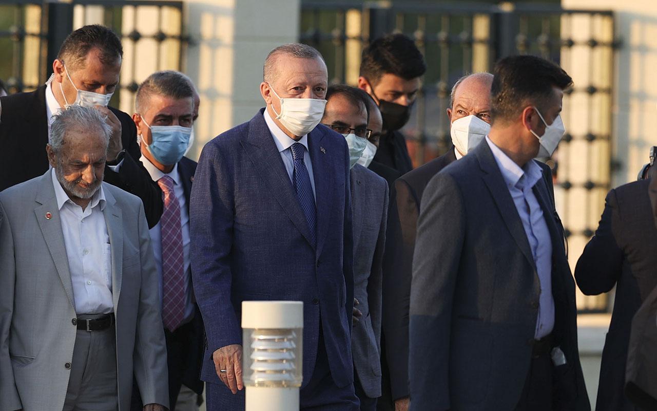 Cumhurbaşkanı Erdoğan Kurban Bayramı namazını KKTC'de kıldı! Kıbrıs Türkü diyoruz