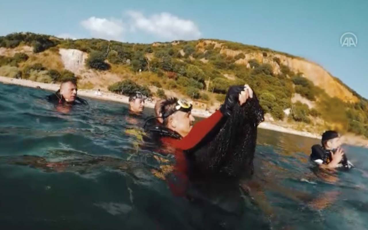 Bakan Bekir Pakdemirli denize daldı hayalet ağları elleriyle çıkardı Müsilajın da sebebi!