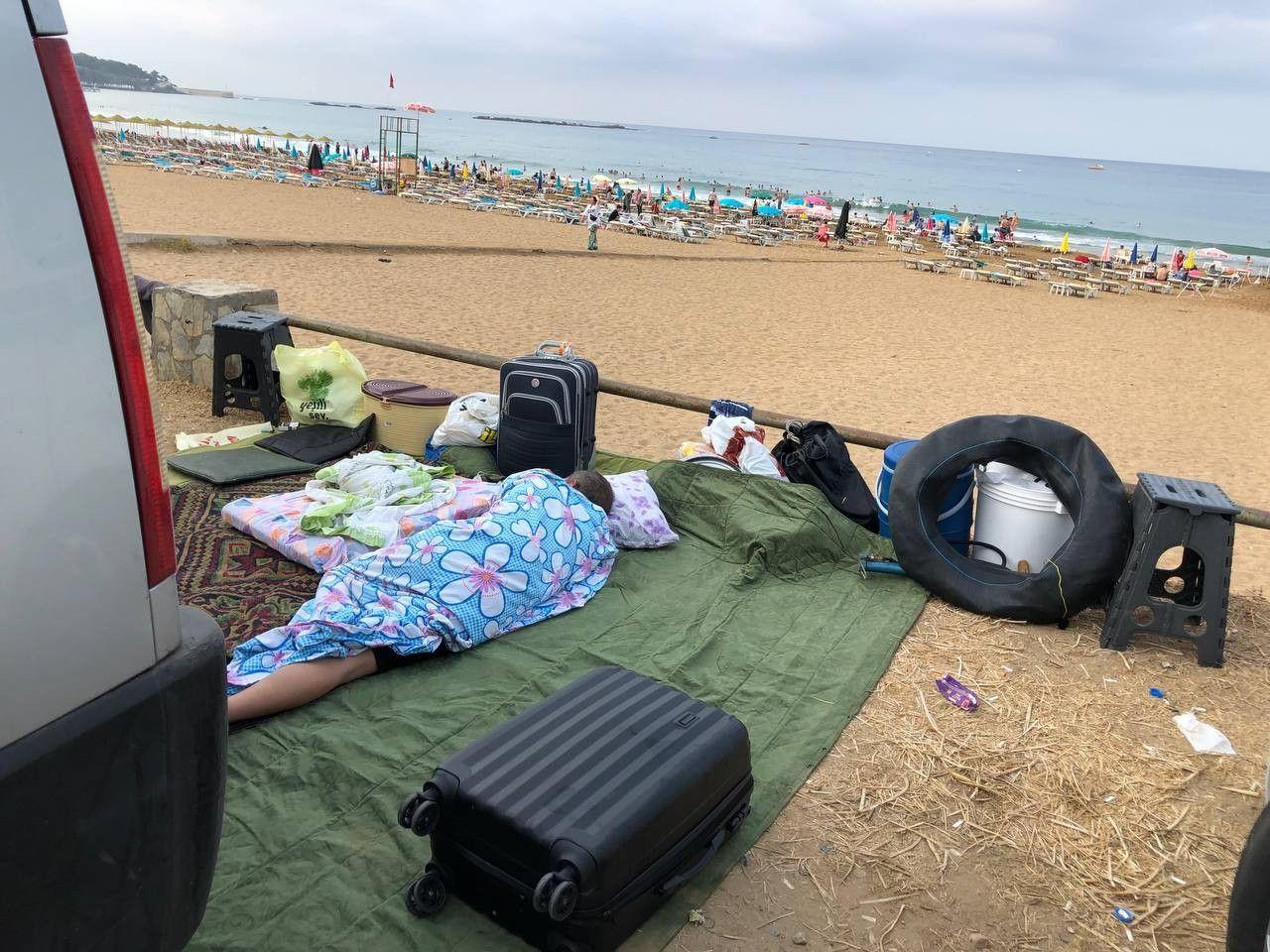 Antalya'da sahiller ağzına kadar doldu! Pes dedirten görüntüler: Böyle tatil olmaz
