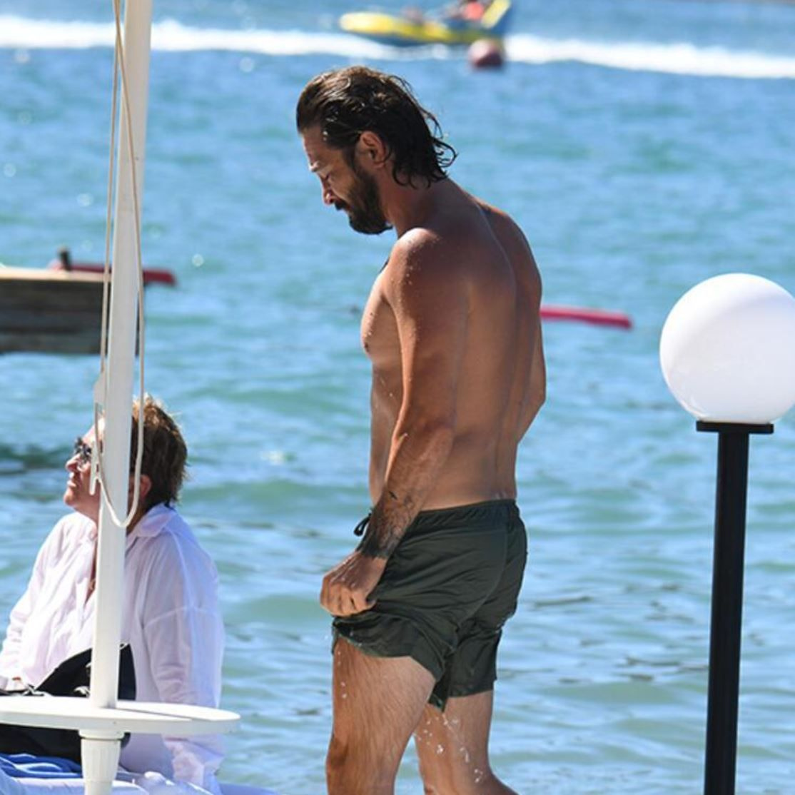 Avukat aşkıyla tatile çıktı! Bir Zamanlar Kıbrıs yıldızı Ahmet Kural'ın son halini gören tanıyamadı