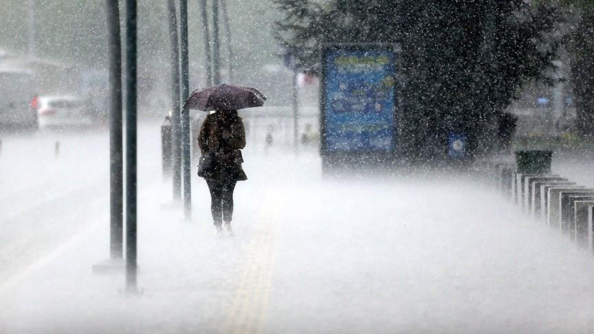 Bu illerde yaşayanlar dikkat! Meteoroloji'den kuvvetli yağış uyarısı: Şemsiyesiz çıkan pişman olur
