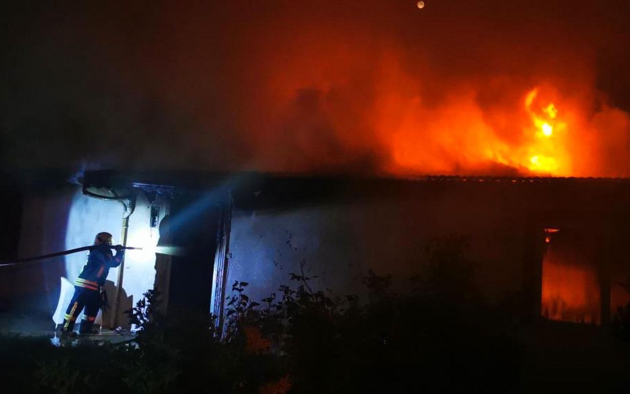 Muğla Marmaris'te ayrılmayı kabul etmeyen koca evi ateşe verdi
