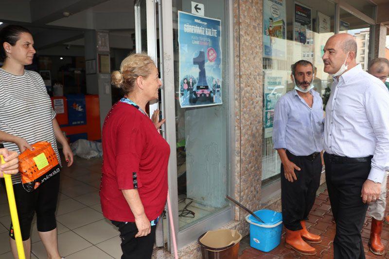 İçişleri Bakanı Süleyman Soylu Artvin'de selin etkili olduğu alanları inceledi