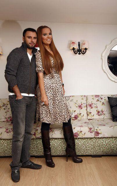'Yazıklar olsun' deyip Lerzan Mutlu Demet Akalın ve Seda Sayan'a isyan etti Cenaze reklamı kriz çıkardı