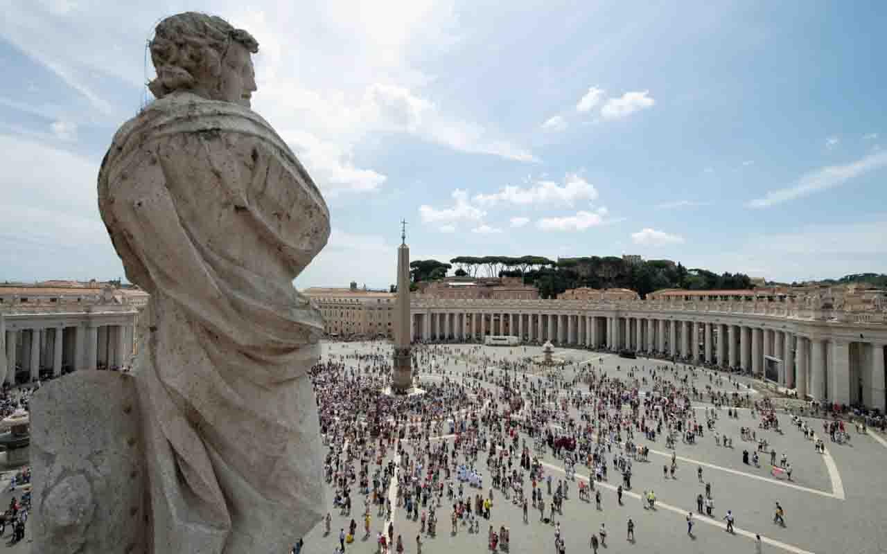 Belgeler 50 sayfayı aştı Vatikan'dan mal varlığı açıklaması