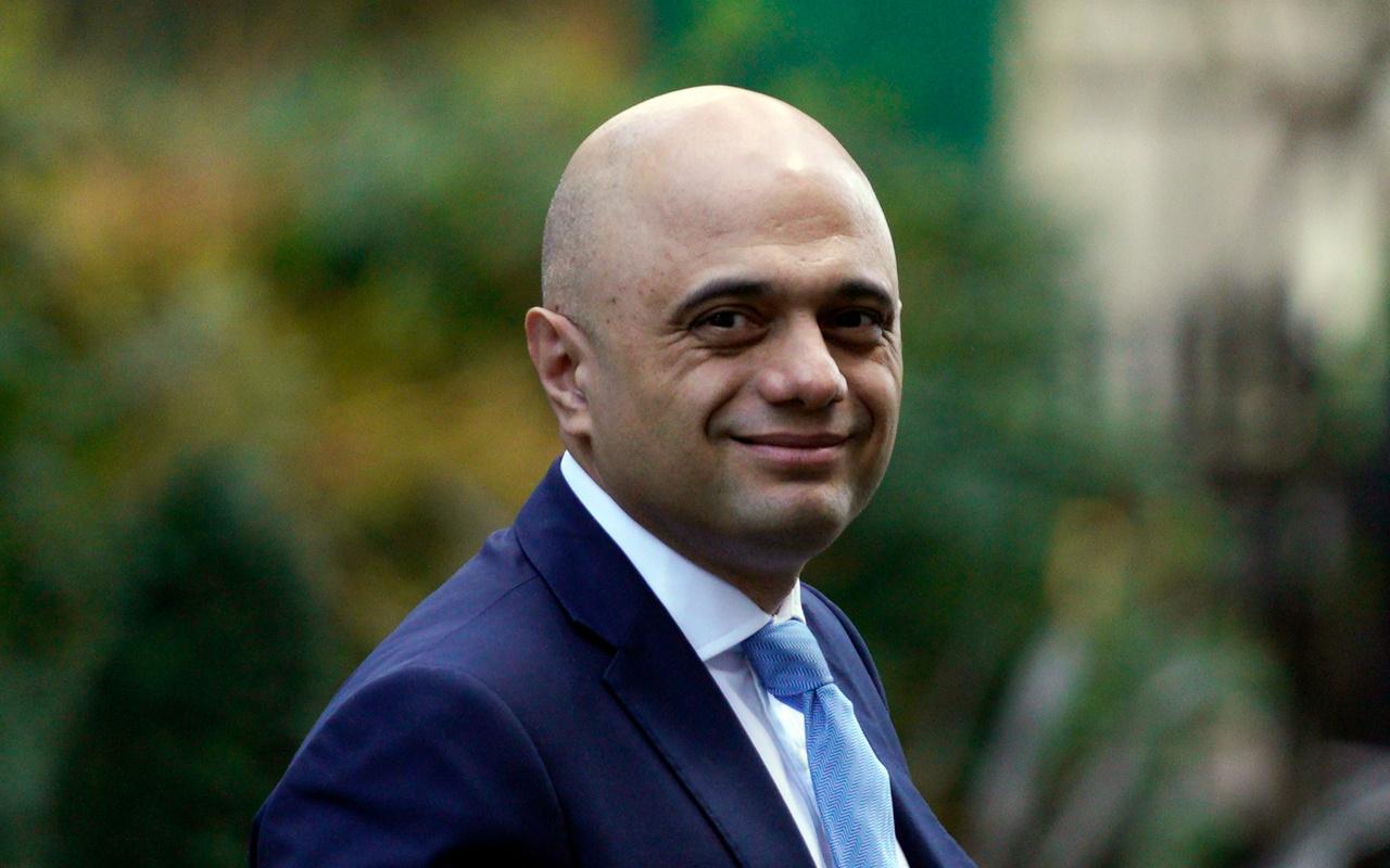 'Covid-19'dan korkmayın' demişti! İngiltere Sağlık Bakanı çark edip bakın ne dedi