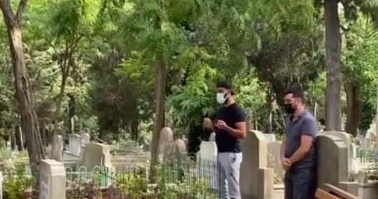 Alişan kardeşi Selçuk Tektaş'ın mezarından ayrılmıyor!