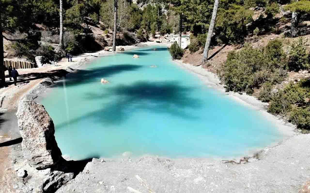 Köy halkı 40 yıldır buraya gitmeye korkuyor Denizli'de gizli kalmış masmavi su