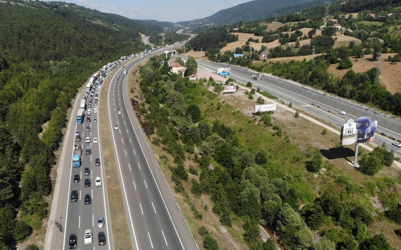 Çalışma başlatıldı! TEM'in İstanbul yönü trafiğe kapatıldı