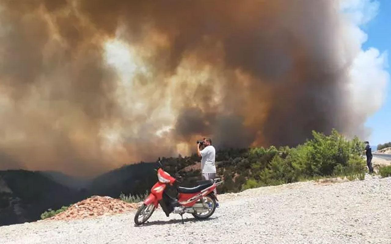 Antalya Manavgat'ta 2 noktada korkutan yangın!