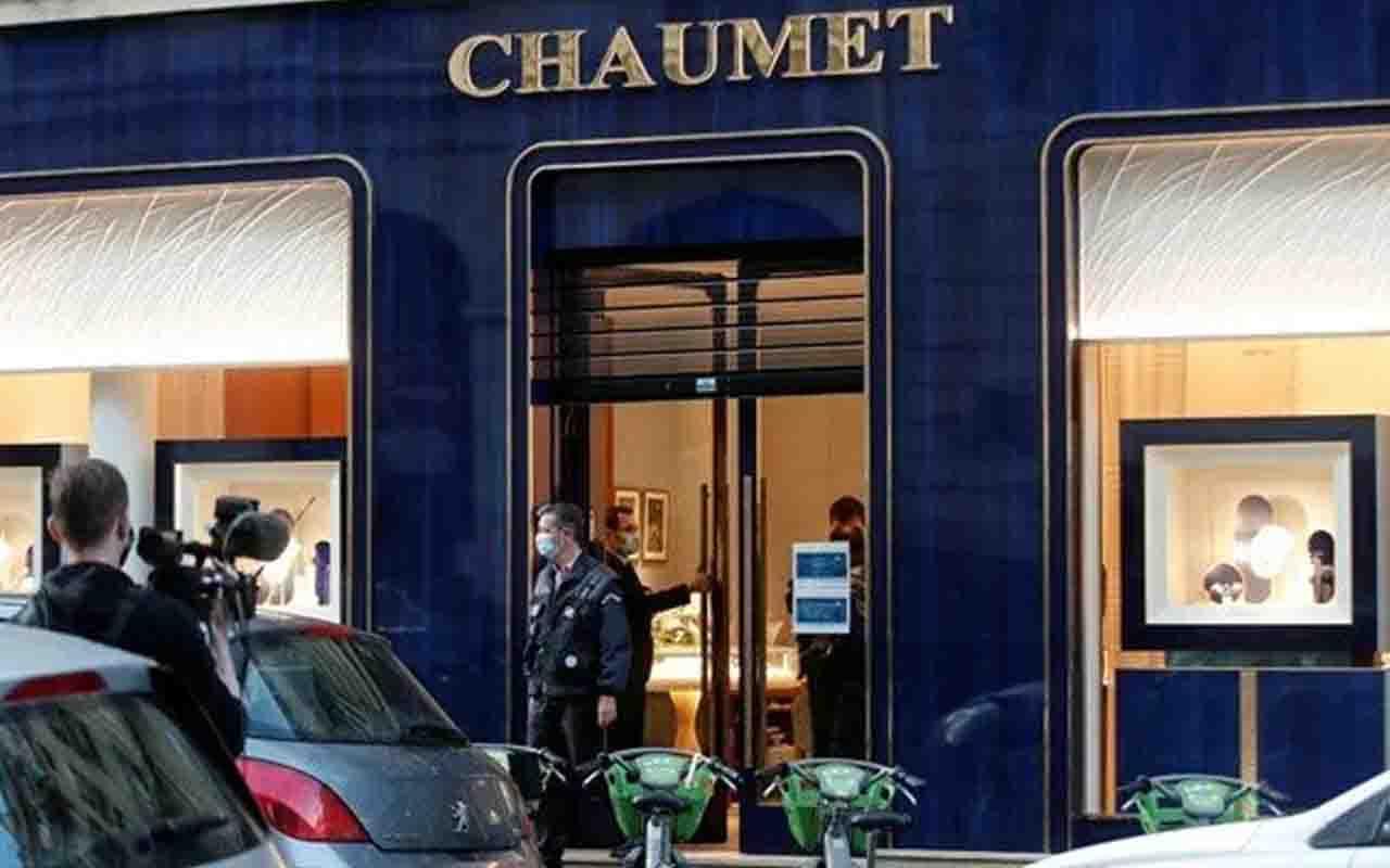 Scooterla geldi 2 milyonluk mücevher çaldı! Paris'te ünlü kuyumcuda soygun