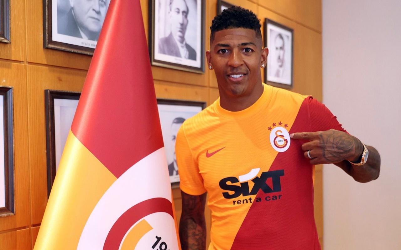 Galatasaray sol bek Patrick van Aanholt'u resmen açıkladı