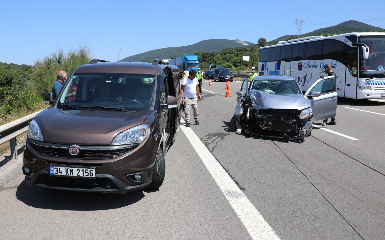 Bolu'da zincirleme kazada can pazarı! 4 araç birbirine girdi
