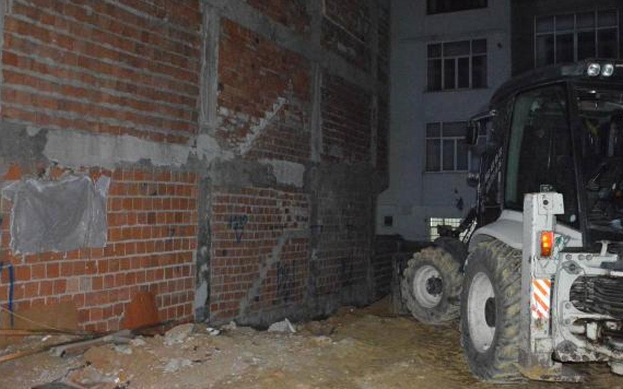 Sultangazi'de iki bina çökme riski nedeniyle boşaltıldı