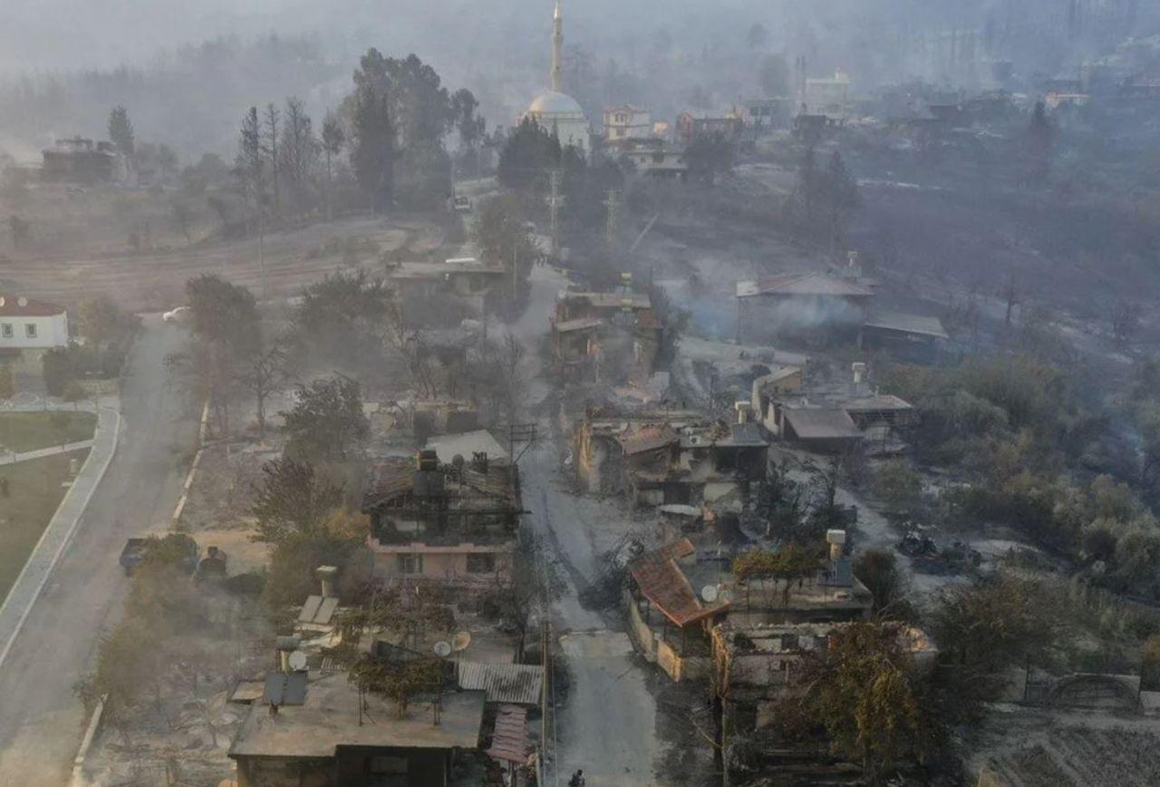 Antalya Manavgat yangınından yürek yakan görüntüler! Her şey gitti