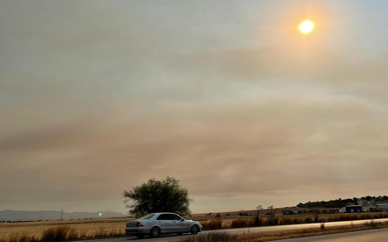 Türkiye'deki orman yangınlarının etkisi KKTC'de hissedildi is kokusu Kıbrıs'ı sardı