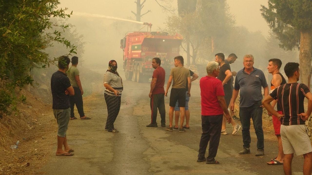 Antalya'da mahalle küle döndü! Gözyaşları sel oldu: İnsanlığa sığmaz