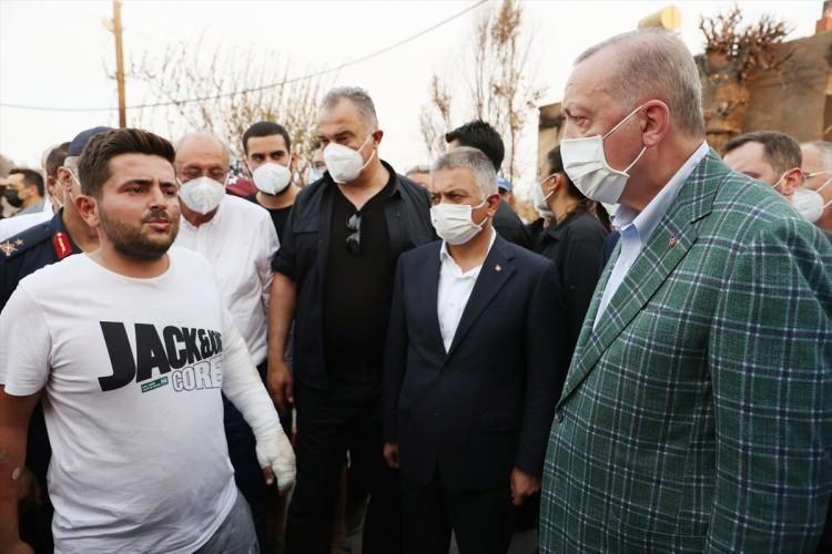 Cumhurbaşkanı Erdoğan, yangından etkilenen vatandaşlarla sohbet etti