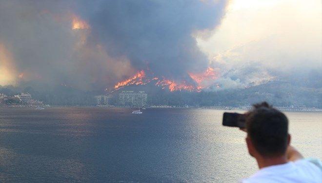 Marmaris yangınında mahsur kalan şarkıcı Gökçe: Allahaşkına bırakın fidanı...